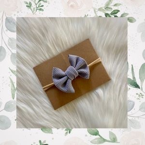 👑Grey Bow on Nylon or Clip In Bow!